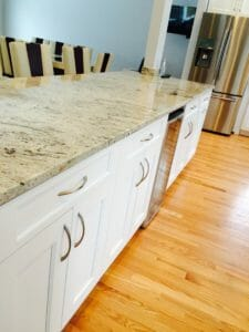 marble-counter-kitchen-white-cabinets